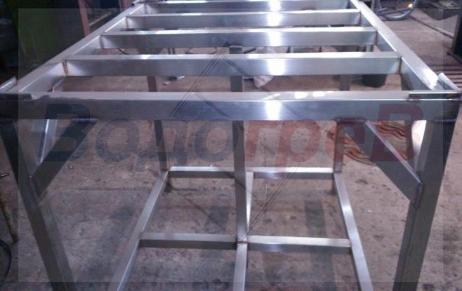 Подставка для ёмкости из нержавеющей стали на 1000 литров.